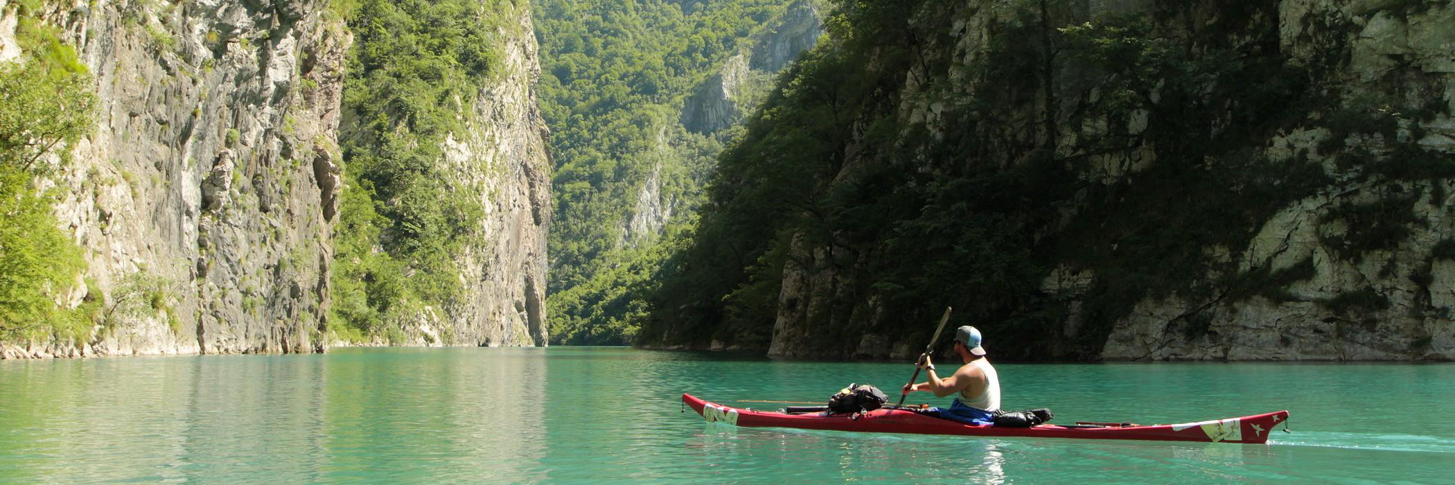 Kaland Albániában
